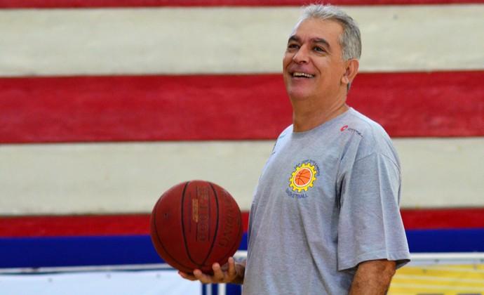Luiz Zanon técnico São José Basquete (Foto: Danilo Sardinha/GloboEsporte.com)