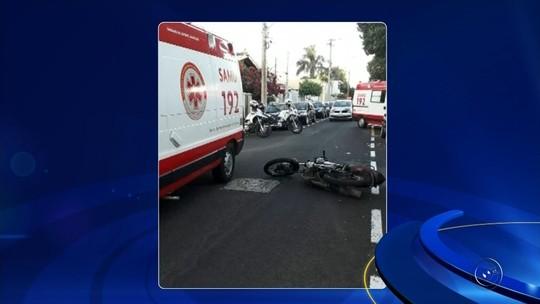 Idosa de 86 anos morre atropelada por moto ao atravessar rua