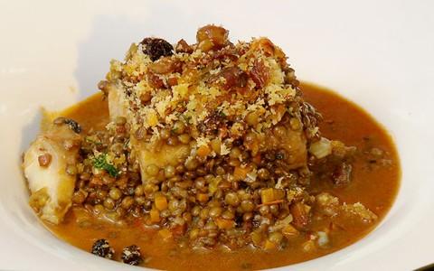 Bacalhau natalino com lentilhas do chef Claude Troisgros