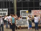 No Acre, psicólogos dão 'abraçaço' em prol da reforma psiquiátrica