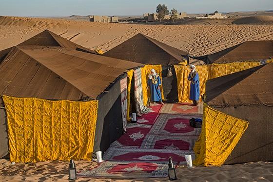 Dormir uma noite no deserto em um acampamento tradicional permite curtir o entardecer e experimentar o silêncio da região (Foto: © Haroldo Castro/Época)