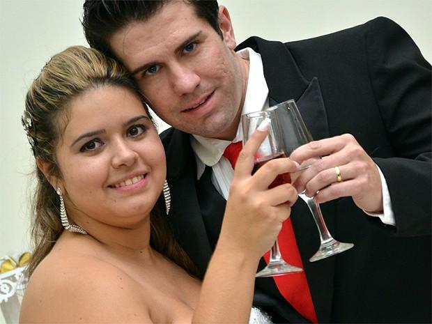 Lenyenne e Felipe juntos após o 'sim surpresa' em Franca, SP (Foto: Paulo Vítor Toledo)