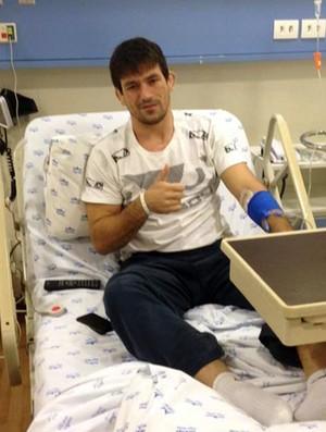 Después de volver al hospital, Demian Maia es diagnosticado con osteomielitis