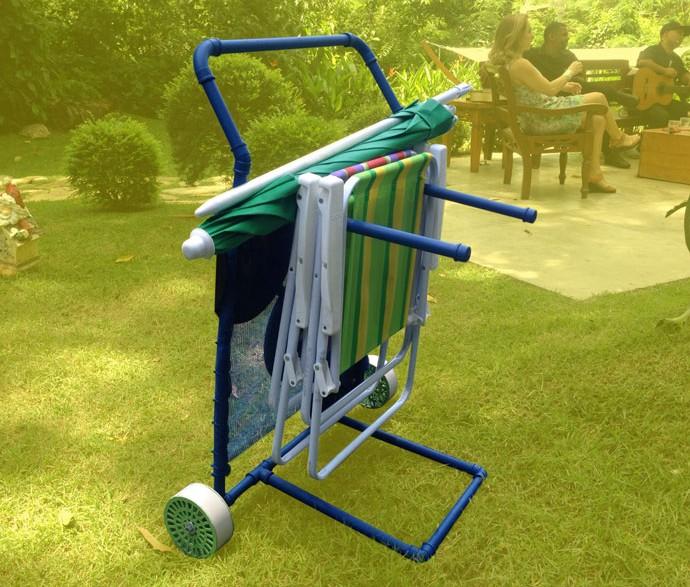 Aprenda a fazer um carrinho para levar cadeiras de praia (Foto: Letícia Souza)