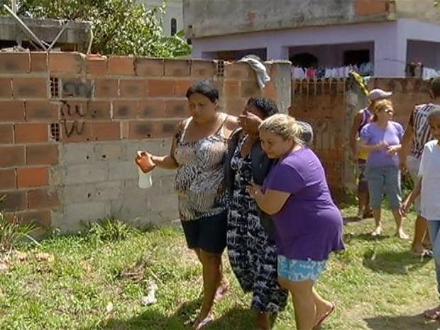 Vizinhas entraram em desespero quando souberam do assunto  (Foto: Reprodução/Inter TV)
