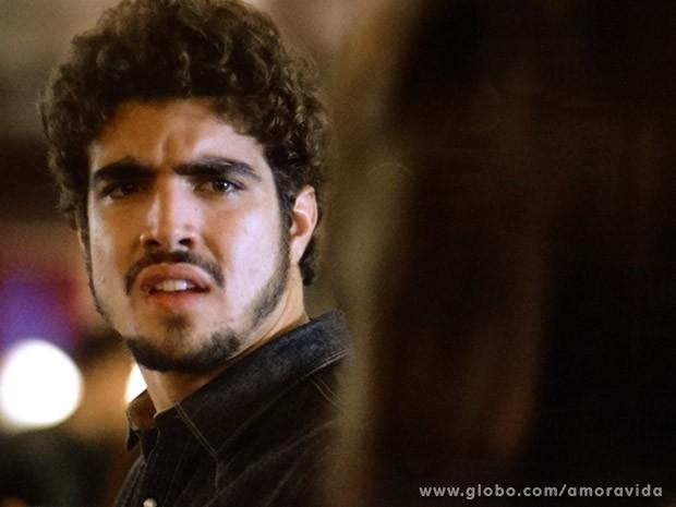 Michel diz que não quer mais (Foto: Amor à Vida / TV Globo)
