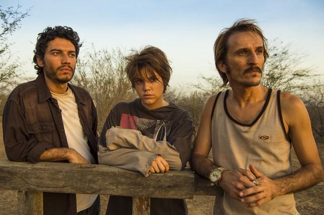 Lee Taylor, Alice Wegmann e Démick Lopes em 'Onde nascem os fortes' (Foto: Estevam Avellar/TV Globo )