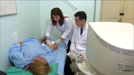 Médicos estão testando tratamento para varizes à base de espuma