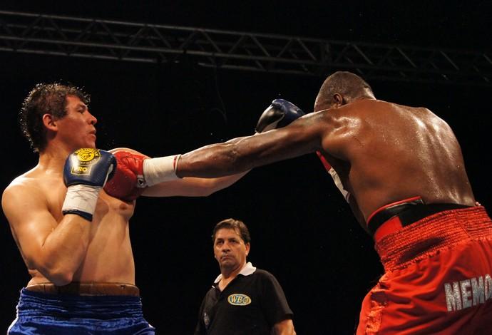 boxe noite da luta entre Yamaguchi falcão e Martín Rios  (Foto: Thierry Goozer)
