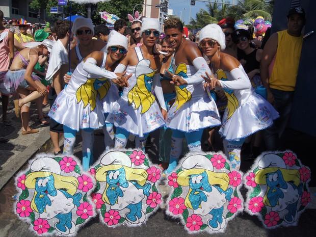 Multidão invade Praia de Ipanema para curtir o bloco Simpatia é quase amor (Foto: Thiago Brandão/G1)