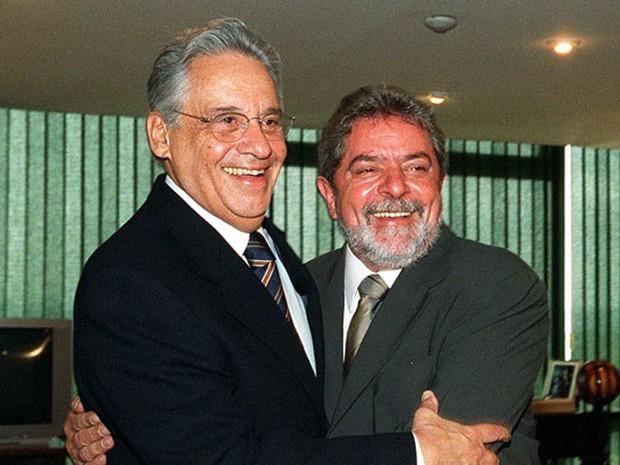 Lula com Fernando Henrique Cardoso, seu antecessor no governo, quando ele ainda ocupava a presidência em 2002