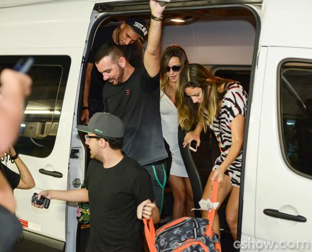 Brothers chegam ao Projac para a Grande Final do BBB14 (Foto: Camila Serejo / TV Globo)