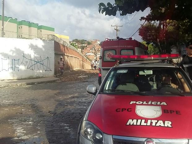 Crime aconteceu na Avenida Gustavo Paiva (Foto: André Feijó/ TV Gazeta)
