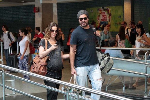 Thiago Lacerda e Vanessa Lóes (Foto: Orlando Silveira/ AGnews)