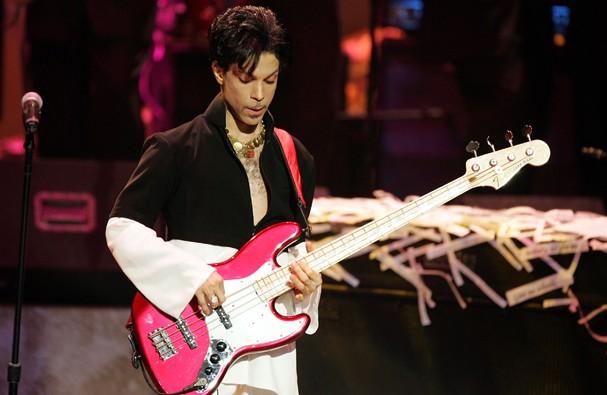 Bruce Springsteen homenageia Prince em show