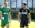 Marcelo Mattos sofre lesão no joelho e tem pouca chance de encarar o Santos