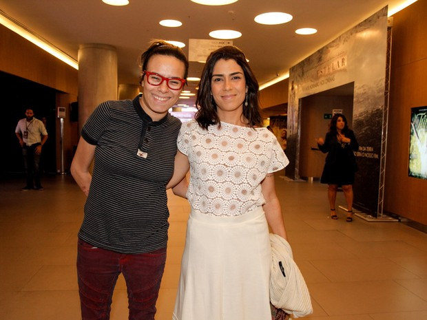 Maria Gadú e a namorada, Lua Leça, em pré-estreia de filme em São Paulo (Foto: Marcos Ribas/ Foto Rio News)