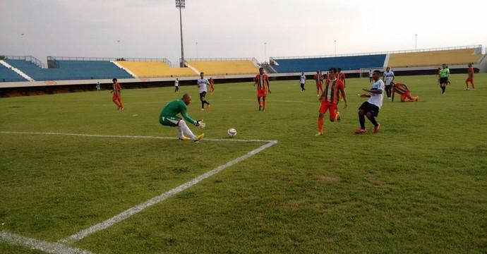 União de Palmas vence o Sparta no Nilton Santos (Foto: Marcel de Paula/ TV Anhanguera)