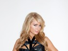 Paris Hilton usa look sexy e posa em clima sadomasoquista