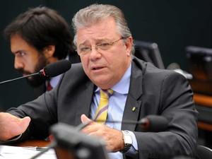 Deputado federal Marco Tebaldi (PSDB-SC) durante discussão em comissão da Câmara (Foto: Gabriela Korossy / Câmara dos Deputados)
