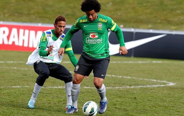 Marcelo neymar brasil treino (Foto: Wander Roberto / Vipcomm)
