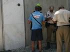 Seop multa 37 foliões que urinavam nas ruas durante blocos no Rio