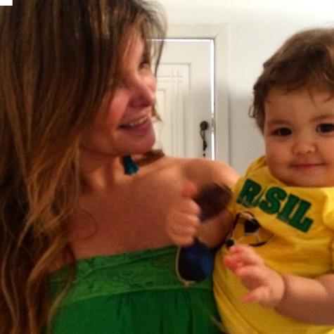 Cristiana Oliveira e o neto, Miguel (Foto: Reprodução)