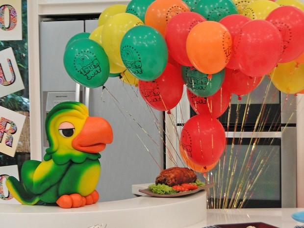 Mais Você ganha decoração especial pelo aniversário de 16 anos do Louro José (Foto: Mais Você / TV Globo)