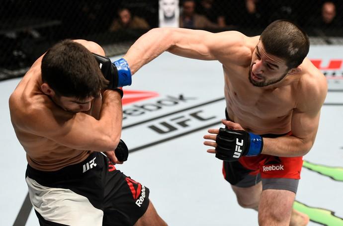 Rustam Khabilov venceu Jason Saggo por decisão unânime (Foto: Getty Images)
