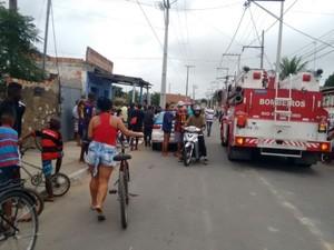 Crime ocorreu na manhã deste domingo (28), no bairro da Codin, em Guarus (Foto: Filipe Lemos/Campos 24 horas)