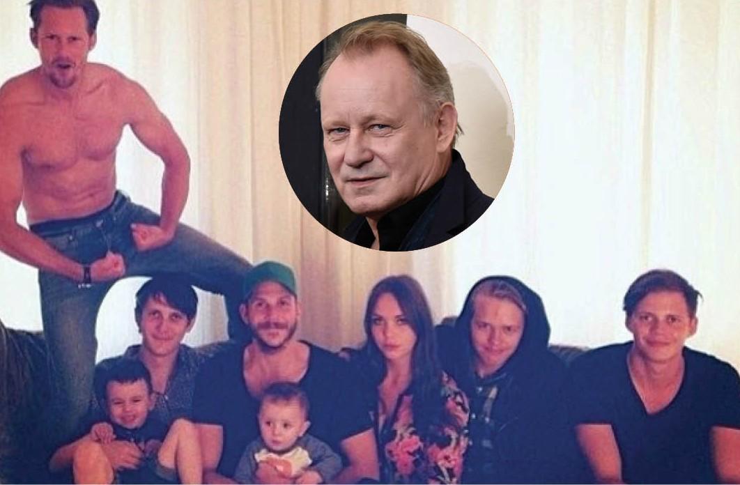Aos 63 anos, Stellan Skarsgard é o patriarca de um verdadeiro clã de atores suecos de sucesso em Hollywood. Dos oito filhos do ator de 'Vingadores' e 'Ninfomaníaca', quatro são atores e uma é modelo. Os dois filhos mais velhos são os mais famosos: Alexandre, de 38 anos, é um dos protagonistas de 'Tue Blood' e Gustaf, 34, está no elenco de 'Vikings'. (Foto: Reprodução/Getty Images)
