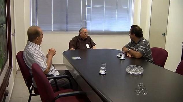 Padre Sérgio Lúcio visita a Rede Amazônica (Foto: Amazonas TV)