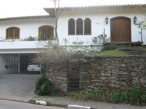 Casa onde Nize vive com o marido foi avaliada em R$ 850 mil. (Foto: Leonardo Neiva/G1)