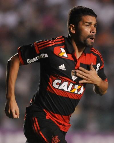 Eduardo da Silva gol Flamengo x Figueirense (Foto: Eduardo Valente / Ag. Estado)
