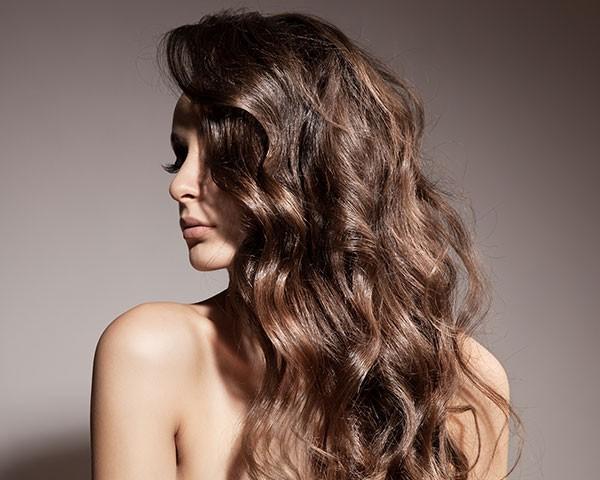 Aprenda a incentivar o crescimento do cabelo (Foto: Thinkstock)