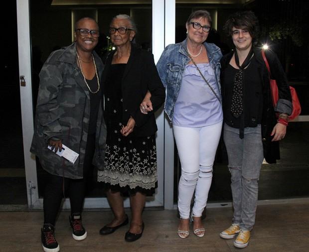 Sandra de Sá com a mãe, a sogra e a namorada, Simone Malafaia (Foto: Wallace Barbosa/AgNews)