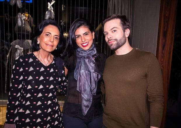 Deyse Gasparian, Gabriela Gasparian e Matheus Arantes  (Foto: Arthur Vahia)