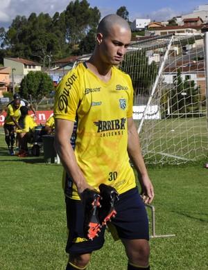 zagueiro Alexandre lazarini; Caldense (Foto: Lúcia Ribeiro)