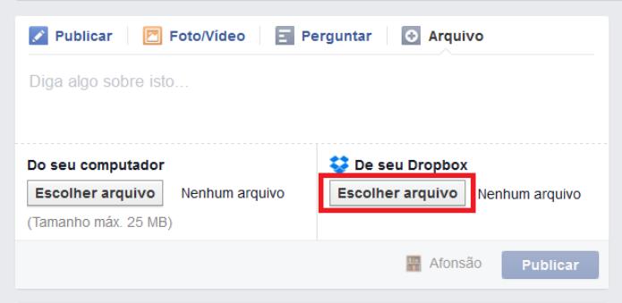 O Facebook oferece duas opções de compartilhamento de arquivos em grupos: do computador e do Dropbox (Foto: Reprodução/Lívia Dâmaso)