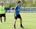 Cruzeiro anuncia que cinco atletas estão fora dos planos de Celso Roth