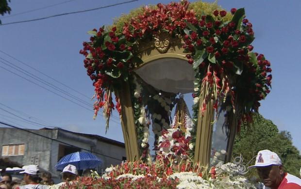 Círio em Macapá reuniu mais de 100 mil pessoas. (Foto: Reprodução/TV Amapá)