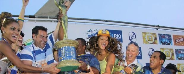Unidos da Tijuca é a campeã no Rio (Unidos da Tijuca é a campeã no Rio (Alex Palarea e Anderson Borde/AgNews))