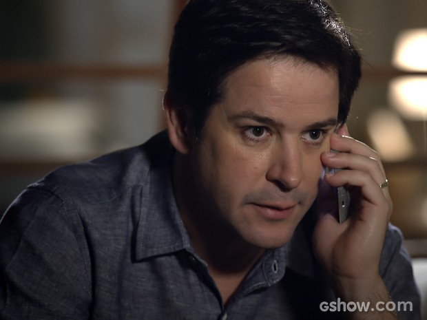 Jonas fala com Murphy e fica tenso ao saber que Pamela está arrasada (Foto: Geração Brasil/TV Globo)