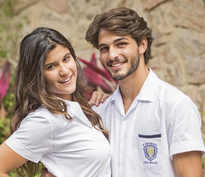 Roger se envolveu com Lívia, personagem de Giulia Costa, no início da trama (Foto: Felipe Monteiro/Gshow)