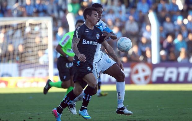 Vargas contra o Novo Hamburgo (Foto: Lucas Uebel / Grêmio, DVG)