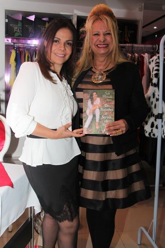 Lílian Gonçalves marca presença em lançamento de livro de Sula Miranda (Foto: Renan Katayama / AgNews)
