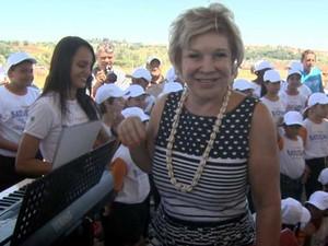 Marta Suplicy visita Itapira e defende a realização da Copa do Mundo (Foto: Reprodução / EPTV)
