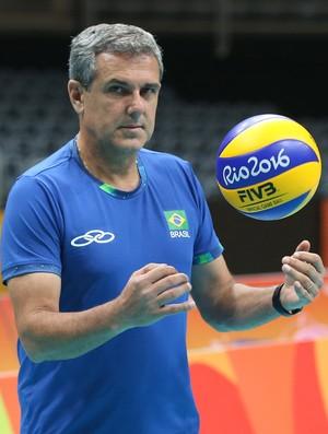José Roberto Guimarães treino vôlei (Foto: Divulgação/CBV)