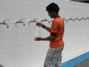 Serviço começou a funcionar na Rua Topázio, bairro Nova Floresta (Foto: Ana Graziela Maia/G1 AM)
