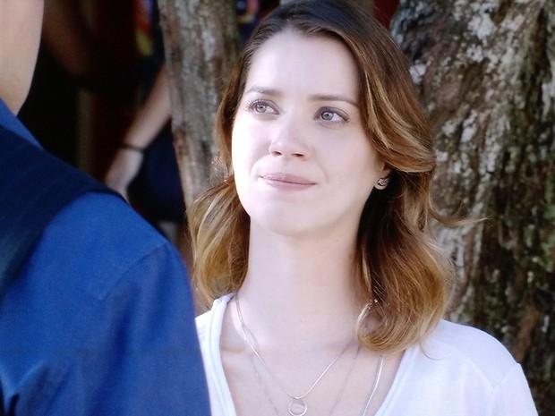 Laura se desespera ao ver que Marcos está irredutível  (Foto: Gshow)